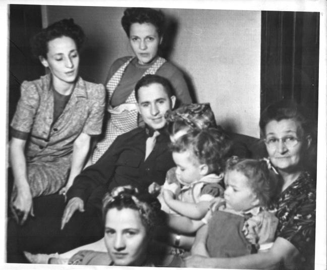 Edith,Cecile,Albert,Marg, Laura,Bobby