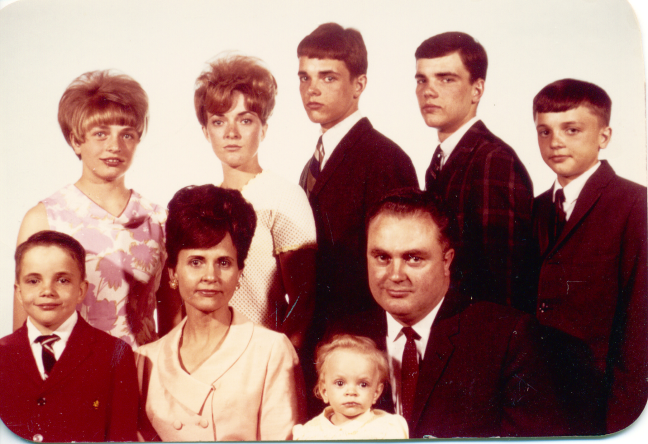 Hutchings Entire Family 1a